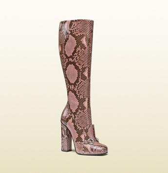 Horsebit boots in pink snakeskin