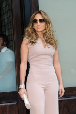 Jennifer Lopez Out And About In Manhattan